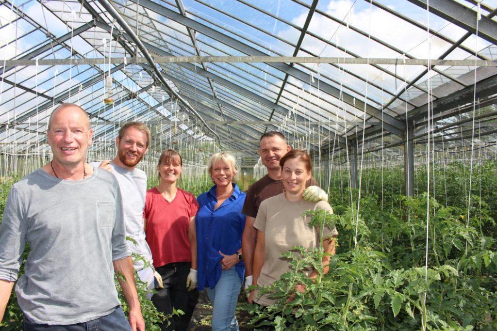 Familie Frenßen im Tomatengewächshaus